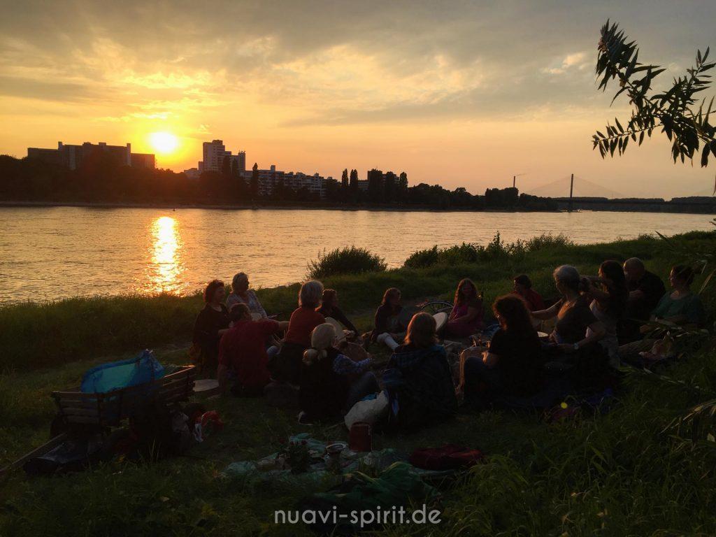 Vollmondtrommeln / Trommelkreis am Rhein